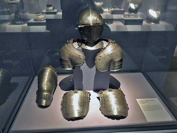 08 boys suit of armor